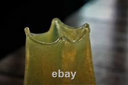 Antique 1905 Dugan Iridescent Canary Venetian Frit Pinched Art Glass Vase 7.25