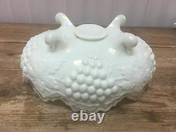 Antique Custard Glass Opalescent Grapes Leaf Master Berry Bowl Footed Northwood