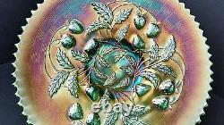 Carnival Glass Northwood Strawberry Basketweave Green Iridescent Sawtooth Plate